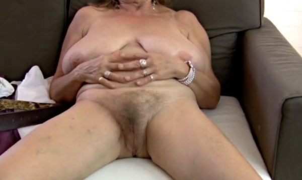 Cum Her Mouth She Swallows